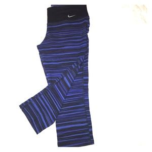 Nike Dri-Fit athletic capri pants